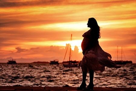 voyager-enceinte-mere-monde